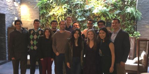 Equipo del MBA de Harvard trabajando junto a EVoting